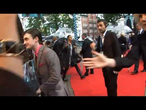 Daniel Radcliffe denies smoking cannabis