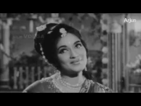 Gandikota Rahasyam Songs - Navvenu Naalo Jaajimalli - Ntr, Devika video