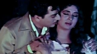 Super Hit Songs of Meena Kumari Dil Jo Na Keha Saka... Song from super hit movie Bheegi Raat (1965) Starring: Ashok Kumar, Pradeep Kumar, Meena Kumari, Kamin...