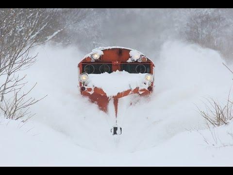 Поезда снегоочистители Как поезда рассекают снег