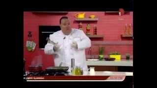 مكونات رقائق العجين بصلصه بيضاء ودجاج مع حلقات البطاطا وعمل الموز بالسمسم