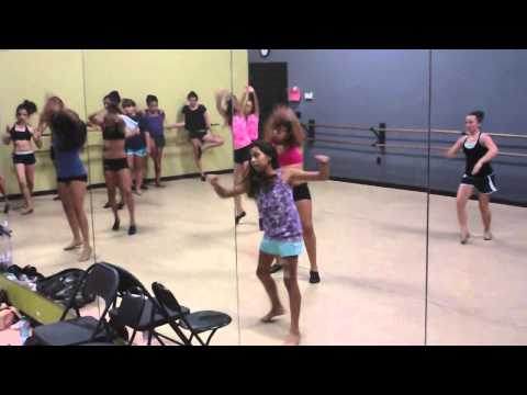 In The Middle @ Dancers Edge (Visalia, CA). 2:05. Class: Master Class Co.