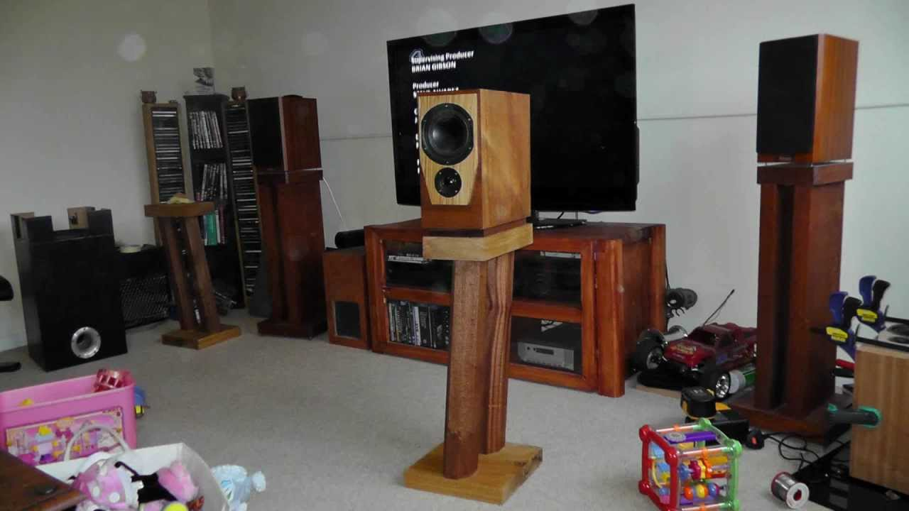 DIY bookshelf speakers,t-line. - YouTube