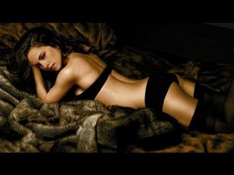 Kristen Stewart Hot Bikini Scenes