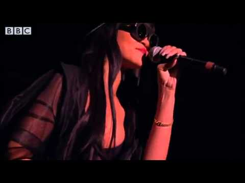 Jay-Z _ Rihanna - Run This Town at Radio 1's Hackney Weekend