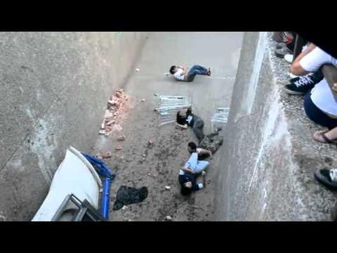 Caídas - Caída tonta con el carro del supermercado