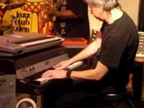 Adam Holzman - Tomaas (live)
