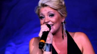 Lauren Alaina - Antarctica: One World, One Family at SeaWorld Orlando