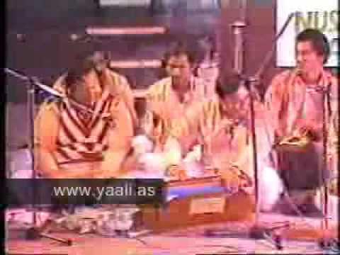 Shah Swaar e Karbala Ko Salam - Nusrat Fateh Ali Khan Qawwali...