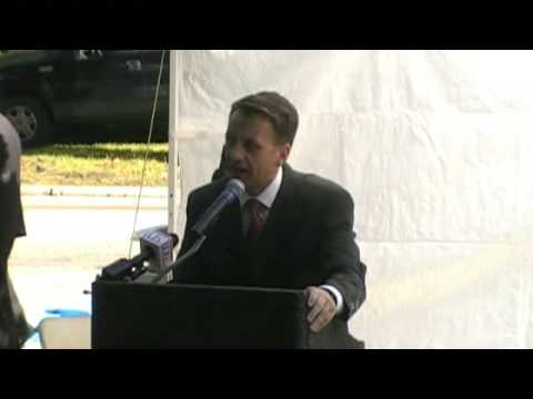 Serbian Consul General Desko Nikitović speaks to Cleveland Serbians