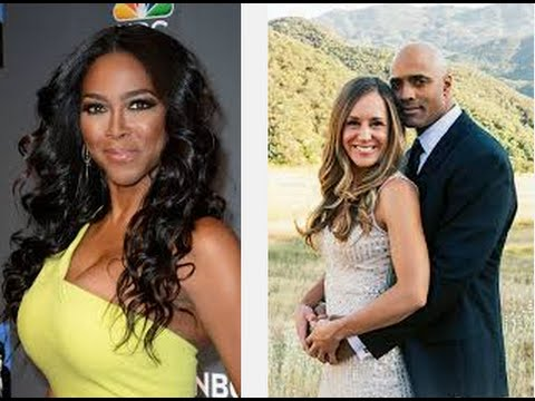 Kenya Moore Says All Black Men Are In Jail, Gay Or are in Interracial Relationships!