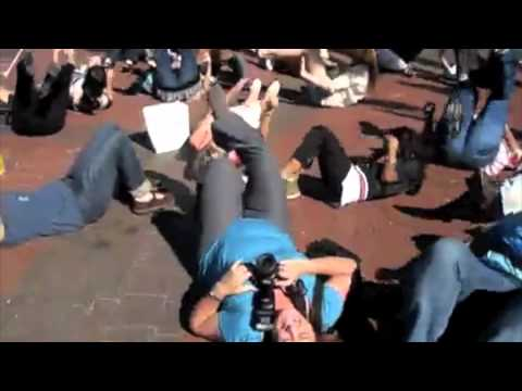 LAUGHTER FLASHMOB Cape Town 2011.mov