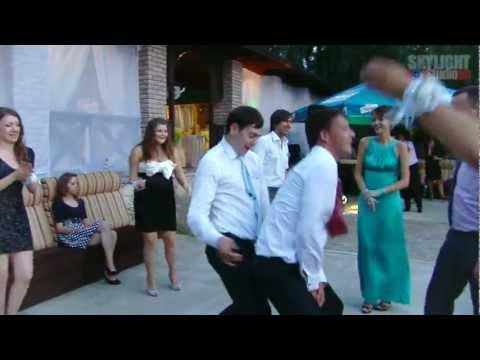 Guys go crazy ! Спокойные и чувственные танцы. Приколы Юмор