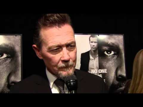 Interview with Robert Patrick (Daniel) from the red carpet at the New York premiere for Safe House.