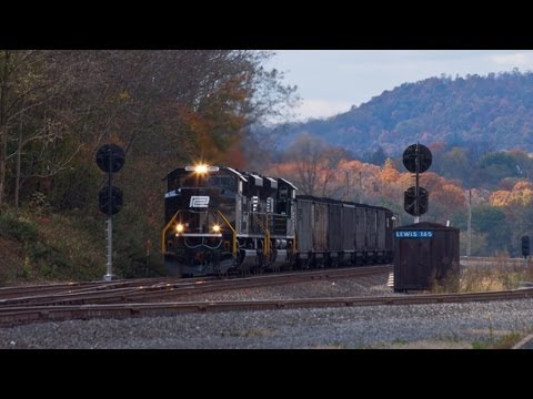 HD: Four Trains at Lewistown, PA 10-21-12