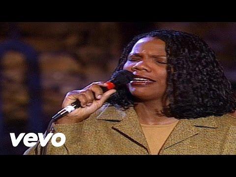 Lynda Randle - God On the Mountain [Live]