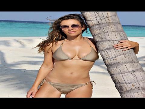 Elizabeth Hurley, 51 anni, bikini da urlo thumbnail