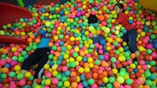 MN Toys Đi Chơi Nhà Bóng Chui Ống Trượt Trò Chơi Ném Bóng - Ball Pit Indoor Playground With MN Toys