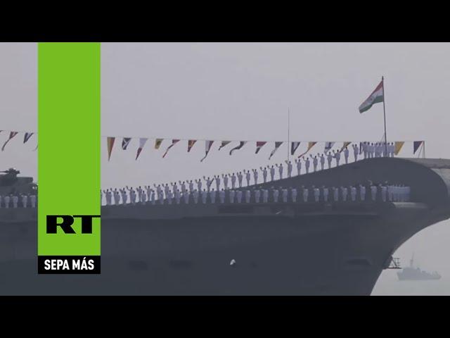Armadas de 50 países participan en un desfile en la India