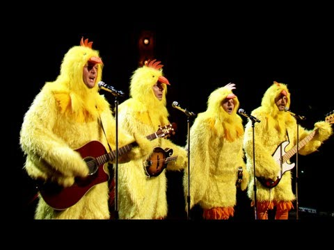 "The Chickeneers' All-Clucking Version Of ""Ho Hey"" (Jimmy Fallon, Blake Shelton & Nick Offerman)"