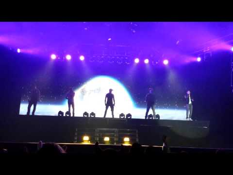 Backstreet Boys - Love somebody & Shape of my heart - Milan 22/02/2014