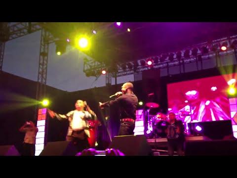 Larry Hernandez y el compa negro en vivo en del mar 2013