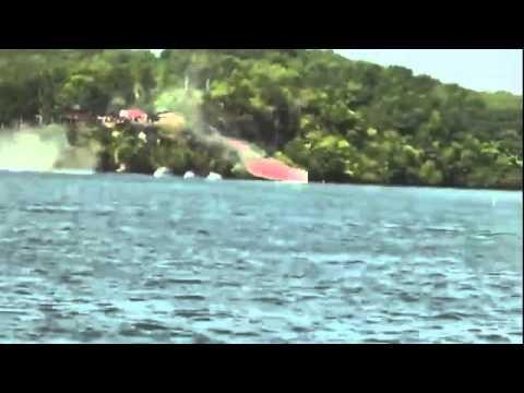 Powerboat gaat met 179 mijl 'airborne'