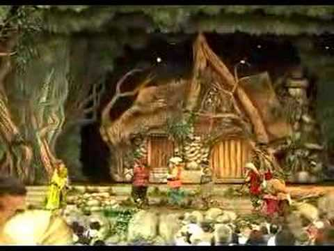 Snow White: An Enchanting Musical (2 of 4)