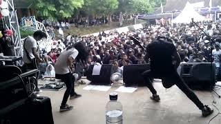 Killing Me Inside Feat Aiu Ratna live perform @SMAN 1 Warungkiara Part I