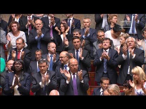 Manuel Valls défie Nicolas Sarkozy