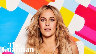 Love Island's Iain Stirling pays tribute to Caroline Flack