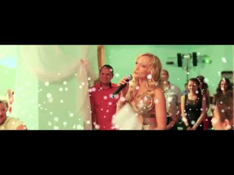 Подруга поёт рэп на свадьбе