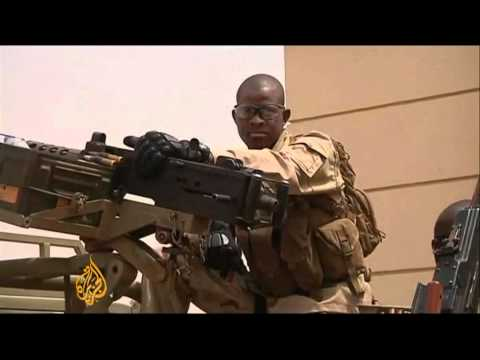 Malian coup leaders given ultimatum