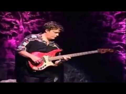 Joe Satriani - Bass Solo Live In San Fransisco