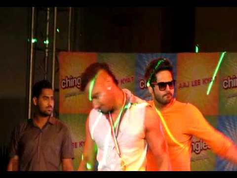 Hai mera dil - Yo Yo Honey Singh LIVE at Swabhumi