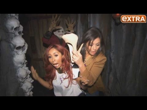 Snooki and JWoww Freak Out at Universal s House of Horrors