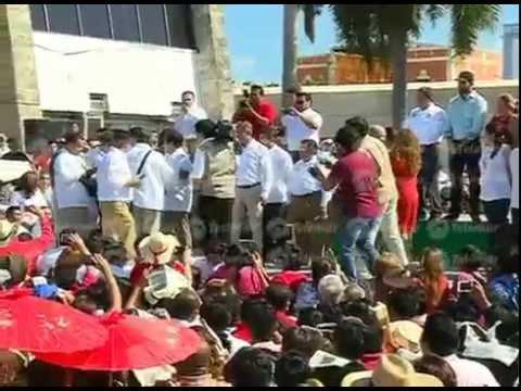 Alejandro Moreno Cárdenas se registra como precandidato a la gubernatura de Campeche por el PRI