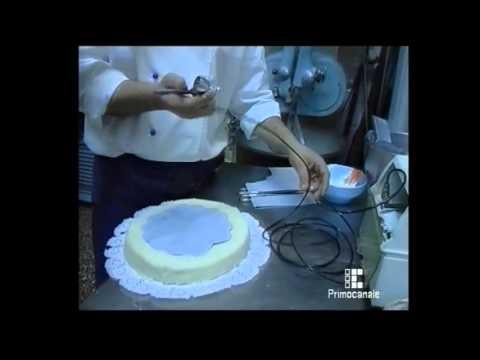 Farcitura pan di Spagna e decorazione torta