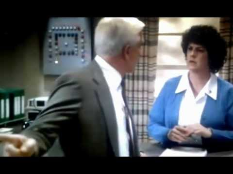 The Naked Gun - funny scene (Driving Test)