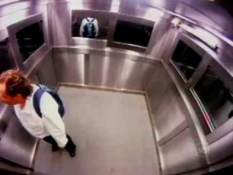 Camera cachée 2013   Une fille fantôme dans l'ascenseur الكاميرا الخفية   YouTube