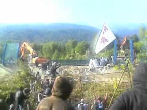 Guerra in montagna 1/2 – Sgombero No Tav Chiomonte 27/6/2011