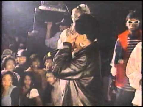 The Fugees live Brooklyn NYC 1995; Wyclef battles Lauryn