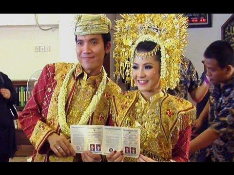 Desta dan Natasha Rizki resmi suami istri - Was Was 22 April 2013