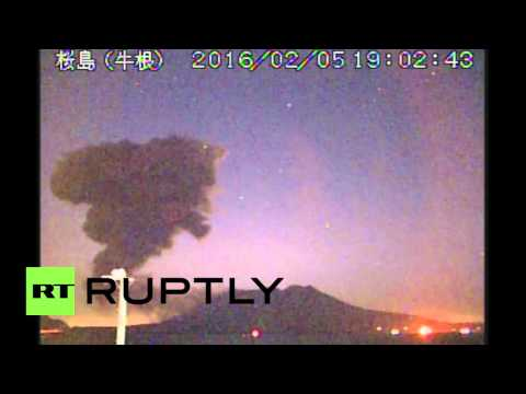 Japan: Sakurajima volcano erupts near to nuclear power plant