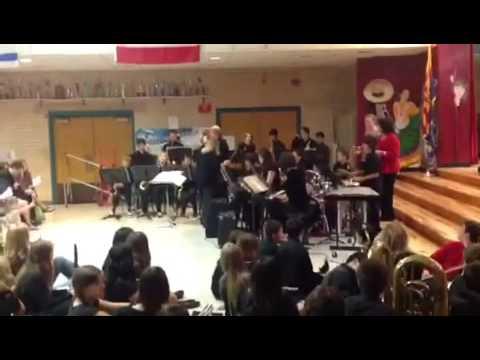 Doolen Middle School Jazz Band playing Oye Como Va