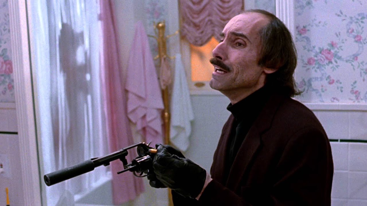 kino-goliy-pistolet