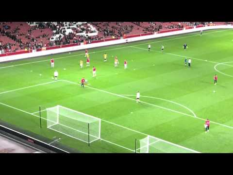 Goalkeeper warm up Arsenal vs Bolton Carling cup 2011 HD