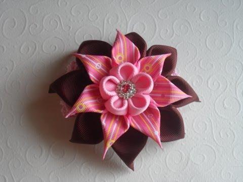 Цветок из атласных лент ромашку