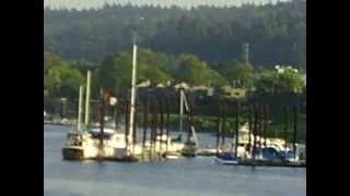 WILLAMETTE RIVER in PORTLAND 2.AVI