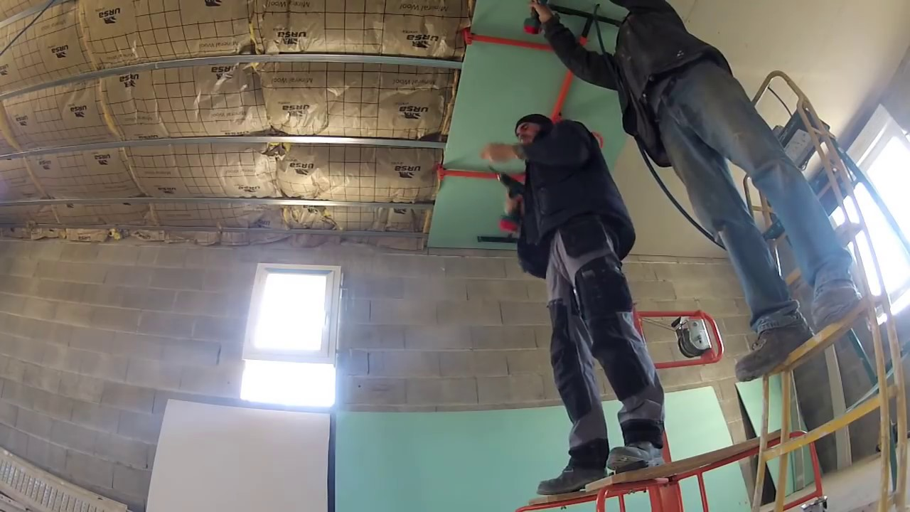 Plafond placo ba 13 youtube for Enduire un plafond en placo